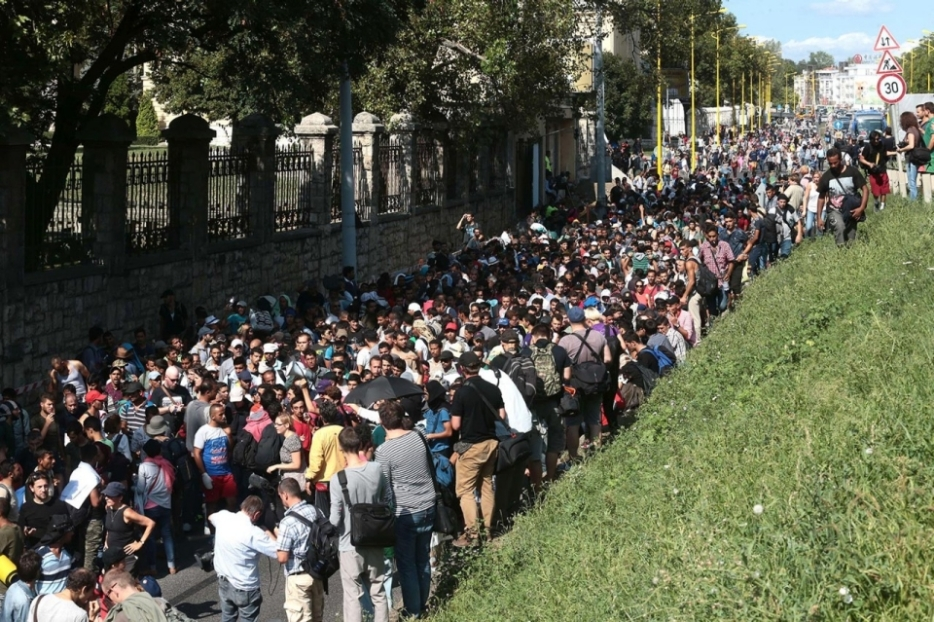 Line of Refugees 2